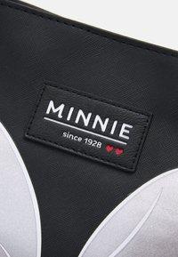 Kidzroom - SHOPPING BAG MINNIE MOUSE NOSTALGIA - Shopping bag - black - 3