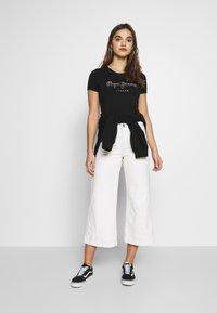 Pepe Jeans - BEATRICE - Print T-shirt - black - 1