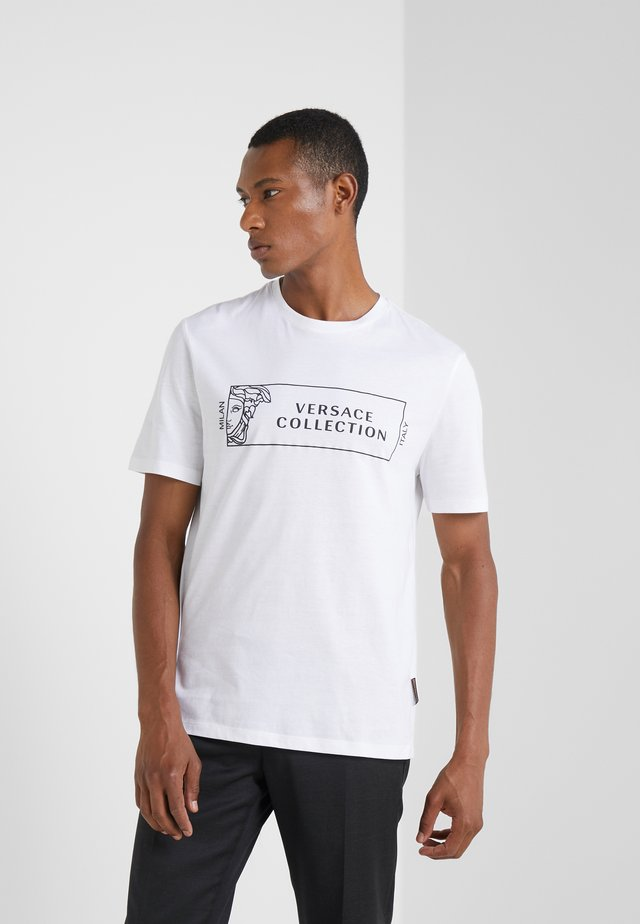 GIROCOLLO REGOLARE - T-shirt con stampa - bianco/nero