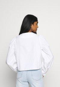Monki - YULIA BLOUSE - Bluser - white - 2
