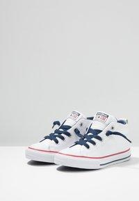 Converse - CHUCK TAYLOR ALL STAR STREET MID - Høye joggesko - navy/white - 3
