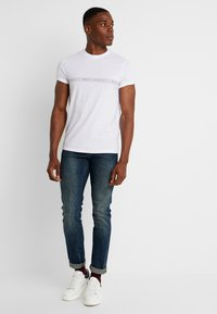 Armani Exchange - Slim fit jeans - indigo denim - 1