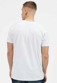 Kings Will Dream - KISHANE  - Print T-shirt - optic white - 3