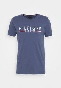 Tommy Hilfiger - TEE - Print T-shirt - blue - 4