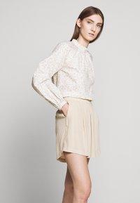 Bruuns Bazaar - LILLI DAPHNE - Shorts - sand - 3