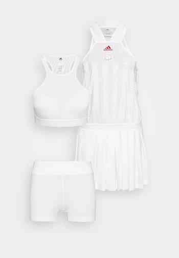 ALL IN ONE - Sports dress - white/scarlett