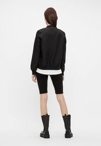Object - GLÄNZENDE - Bomber Jacket - black - 2