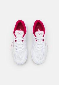 Mizuno - WAVE 5 - Handball shoes - white/white sand/persian red - 3