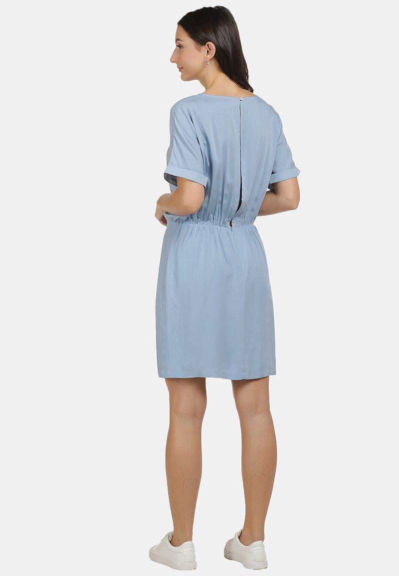 Usha Kleid Freizeitkleid Hellblau Zalando De