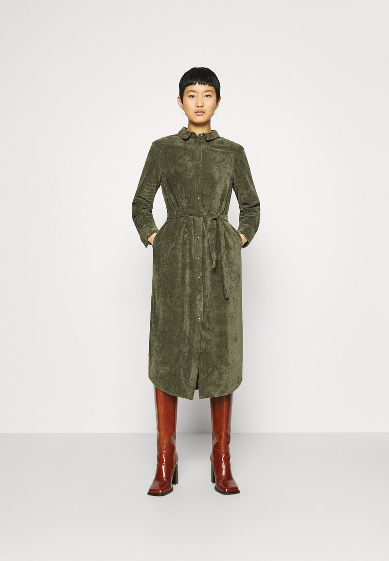 Another-Label - VANDERDISE DRESS - Košilové šaty - winter moss