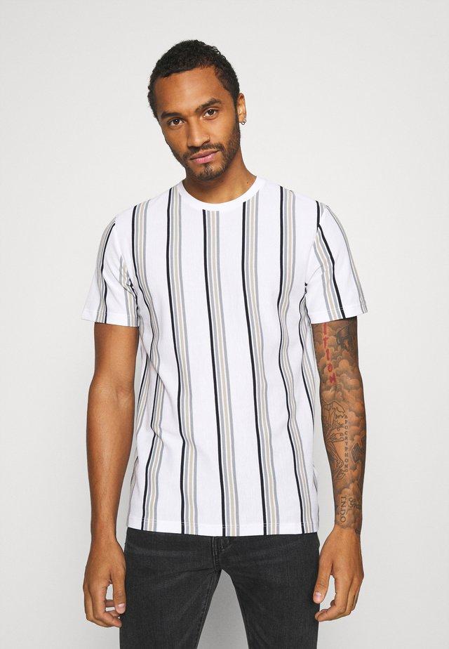 LUKE - T-shirt imprimé - white
