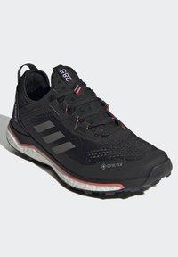 adidas Performance - TERREX AGRAVIC GORE-TEX BOOST TRAIL RUNNING - Løpesko for mark - black - 2