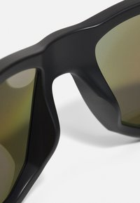 Oakley - GIBSTON UNISEX - Sunglasses - matte black w/prizm sapphire polarized - 3