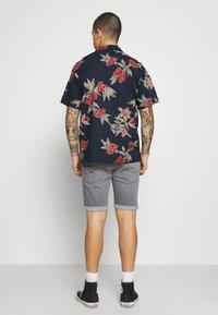 Jack & Jones - JJGREG PLAIN - Shirt - navy blazer - 2