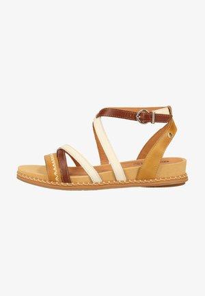 Sandals - honey