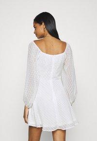 Missguided - DOBBY CORSET LONG SLEEVE DRESS - Day dress - white - 2