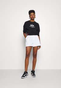 Alpha Industries - BOXY - Sweater - black - 1