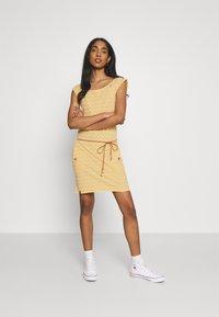 Ragwear - TAG CHEVRON - Žerzejové šaty - yellow - 1
