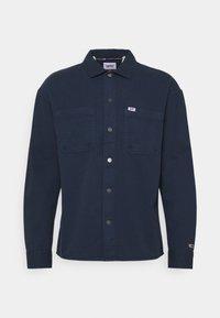 Tommy Jeans - LIGHTWEIGHT OVERSHIRT - Skjorter - blue - 0