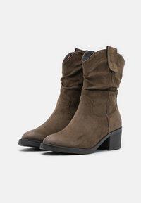 Tamaris - BOOTS - Cowboy/biker ankle boot - olive - 2