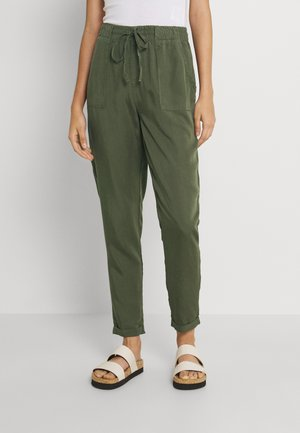 NMCAMY PANTS - Bukse - kalamata