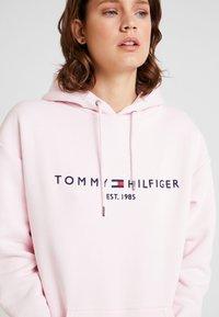 Tommy Hilfiger - HOODED DRESS - Day dress - light pink - 4