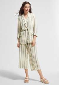 comma casual identity - Trousers - white woven stripes - 1