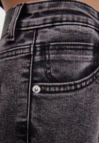 Bershka - MIT SEHR HOHEM BUND  - Jeans Skinny Fit - grey - 4