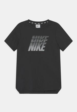 BREATHE - T-shirt print - black/white