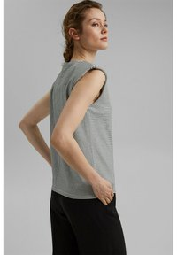 Esprit Collection - PADDED TEE - Basic T-shirt - off white - 3