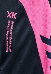 Hummel - HMLACTION  - Sports shorts - black iris/sugar plum - 3