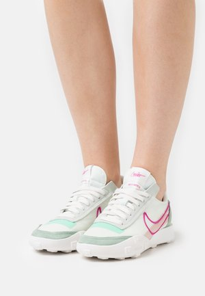 WAFFLE RACER - Trainers - steam/active fuchsia/light sienna/green glow/barely green/sail