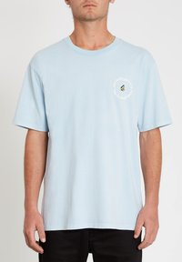 Volcom - OZZY WRONG S/S TEE - Print T-shirt - aether_blue - 0