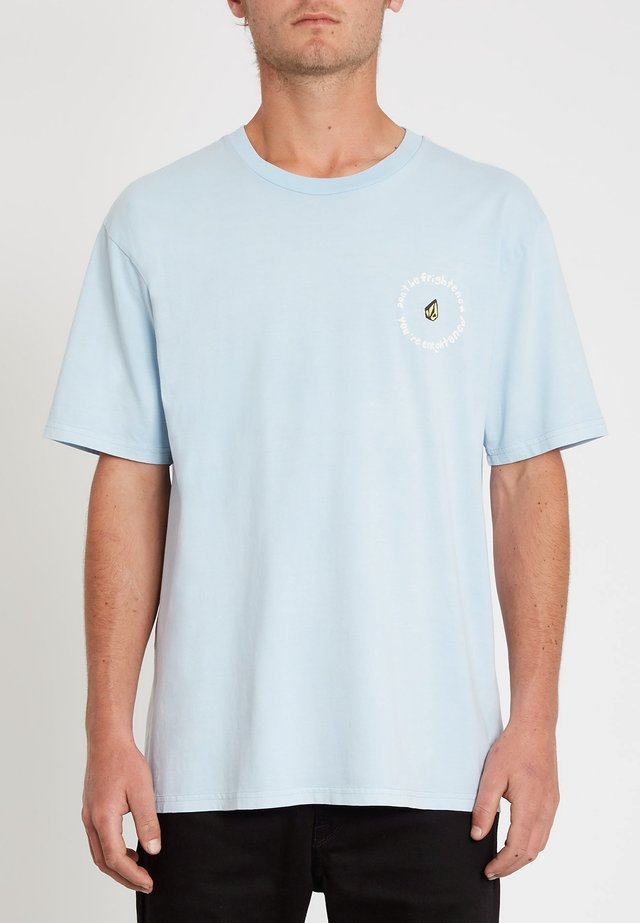 OZZY WRONG S/S TEE - T-shirt imprimé - aether_blue