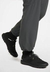 Haglöfs - L.I.M LOW - Trail running shoes - true black - 0