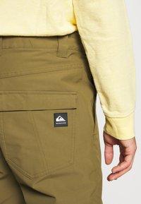 Quiksilver - ESTATE - Snow pants - military olive - 3