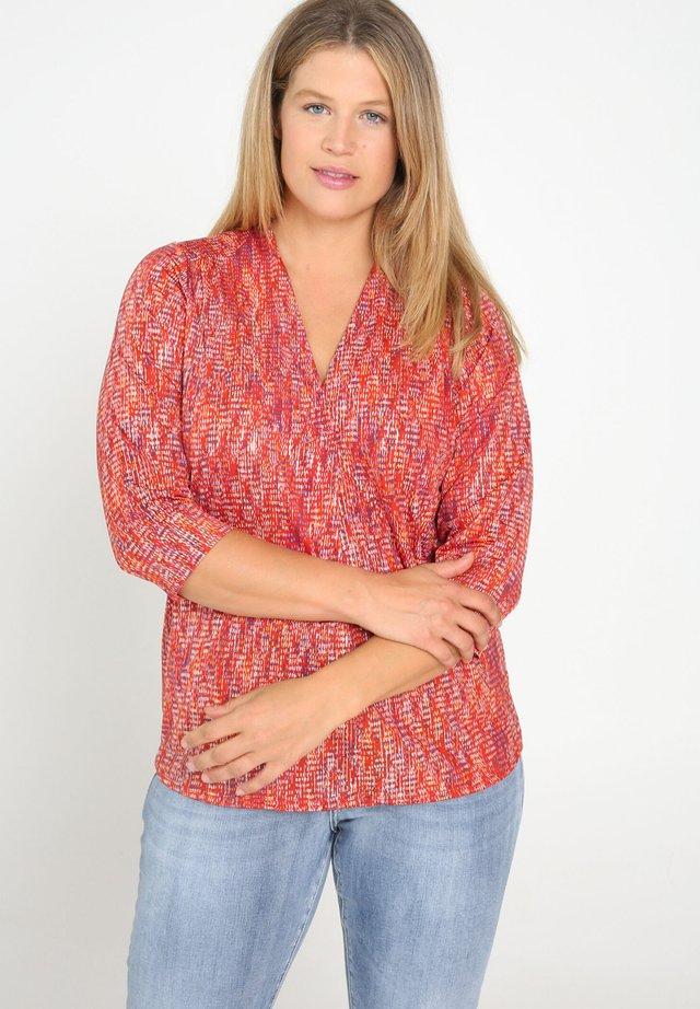 MIT GEOMETRISCHEM PRINT - Maglietta a manica lunga - orange