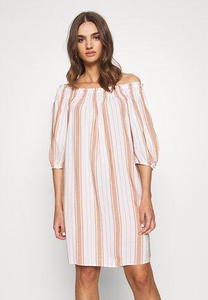 DESERT OFF SHOULDER DRESS - Denní šaty - orange