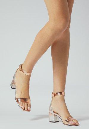 High heeled sandals - ororosa