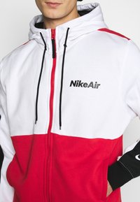 Nike Sportswear - Sudadera con cremallera - white/university red/black