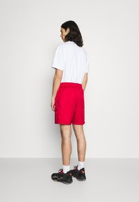 Jordan - JUMPMAN POOLSIDE - Shorts - gym red/black - 2
