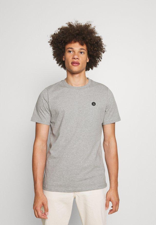 AKROD - Basic T-shirt - light grey melange