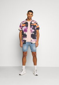 Urban Threads - Shorts - blue denim - 1