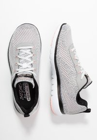 Skechers Sport - FLEX APPEAL 3.0 - Zapatillas - white black/light pink - 3