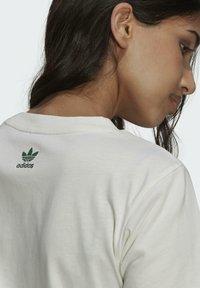 adidas Originals - TENNIS LUXE GRAPHIC ORIGINALS - T-shirt imprimé - off white - 7