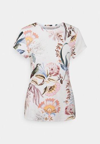 JERIKKO - T-shirt imprimé - white