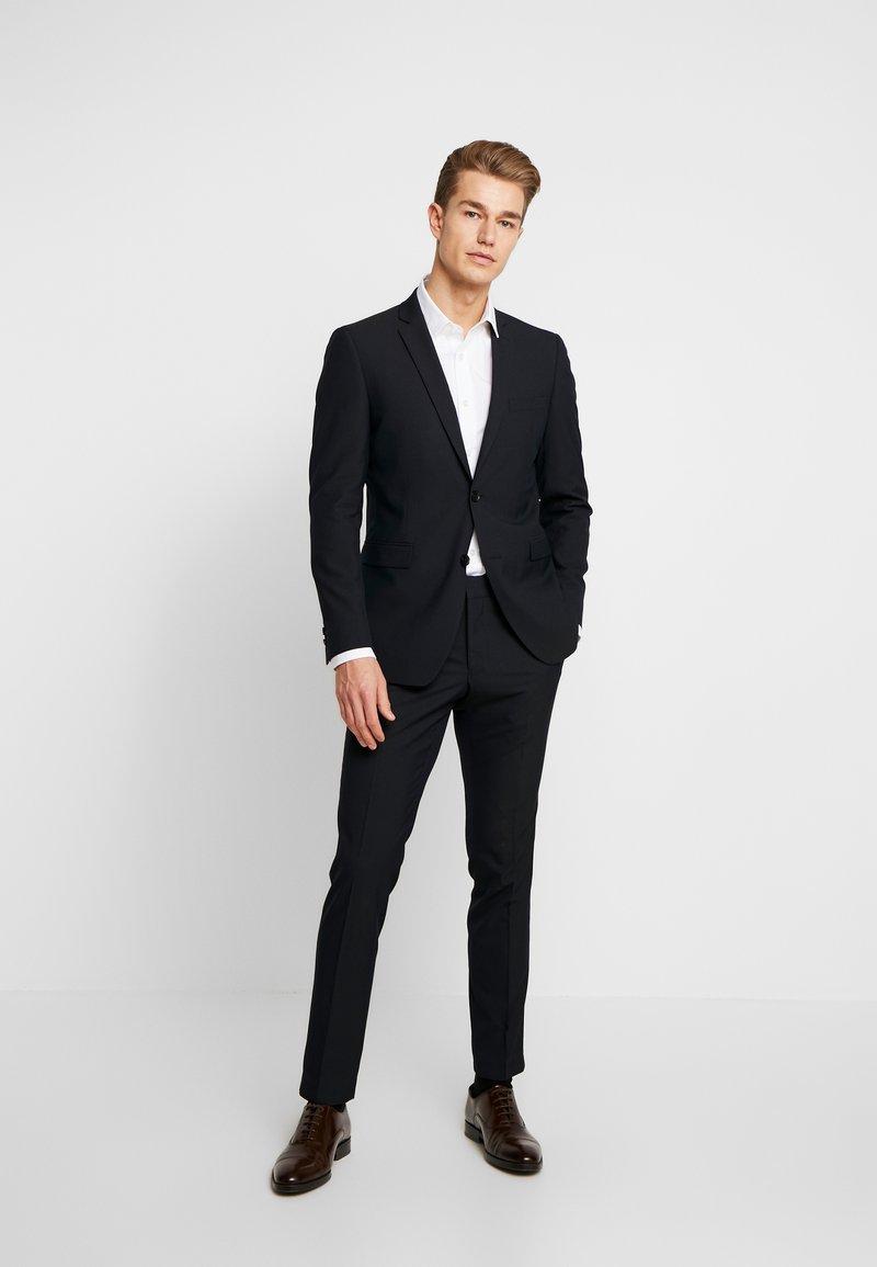 Esprit Collection - FESTIVE  - Garnitur - black