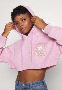 NEW girl ORDER - LOGO CROP HOODY - Sweatshirt - pink - 3