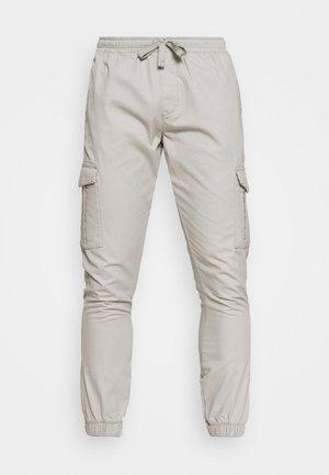 Pantalones cargo - light stone