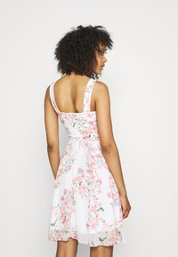 WAL G. - ISABELLE V NECK DRESS - Cocktail dress / Party dress - cream - 2
